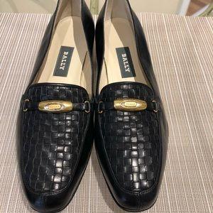 [Bally] black leather flats